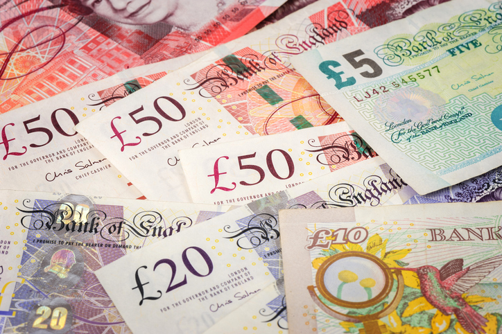 varying pound notes